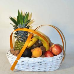 Basket fruits to barcelona